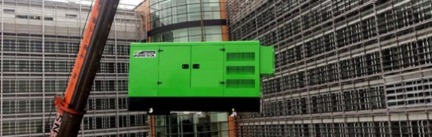 Генераторная установка INMESOL, модель II-110, при поднятии на крышу Берлемона
