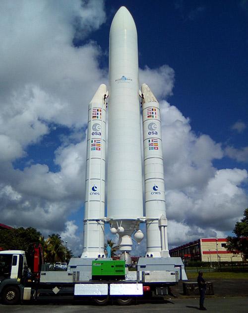 Гвианский космический центр недавно получил аварийную электрогенераторную установку INMESOL