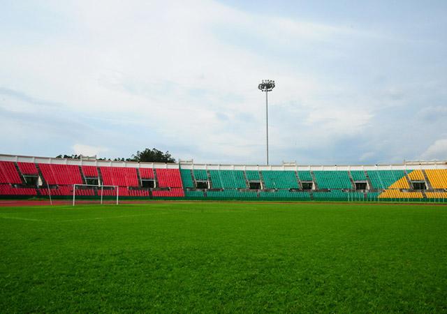 Стадион им. Альфонса Массамба-Деба